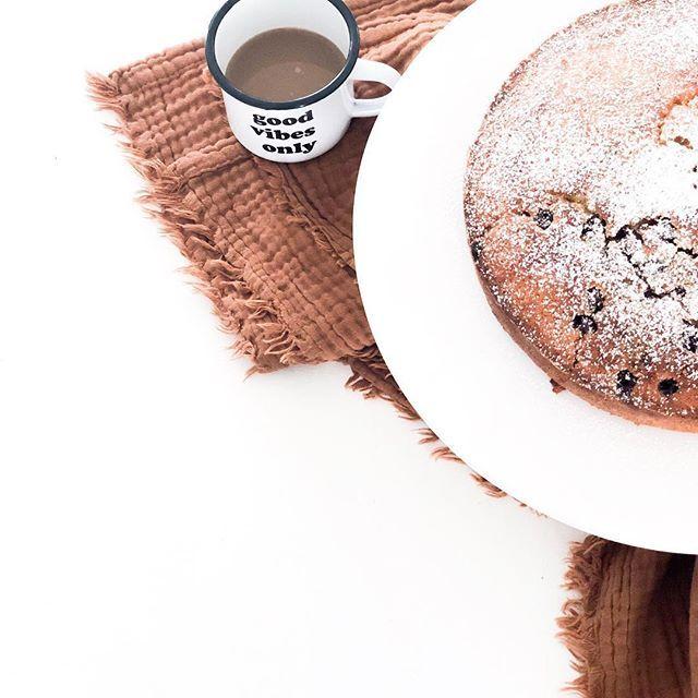 Kaffee und Kuchen in der Herbstsonne ...herrlich! Den ...