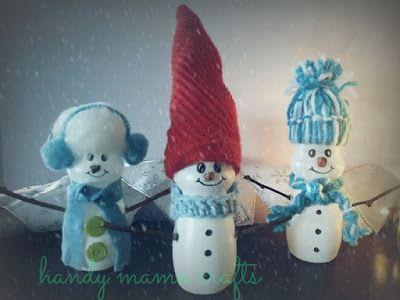 Χιονάνθρωποι από μπουκαλάκια φρουτοποτού