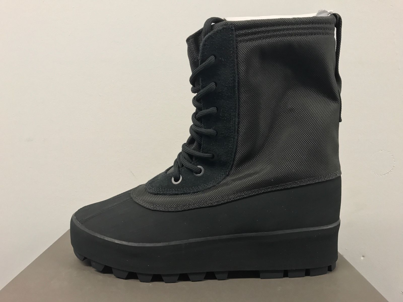 Adidas X Kanye West Yeezy 950 Boost Boot Pirate Black Sz 11 Black V2 350 750 Red Boots All Black Sneakers Black Sneaker