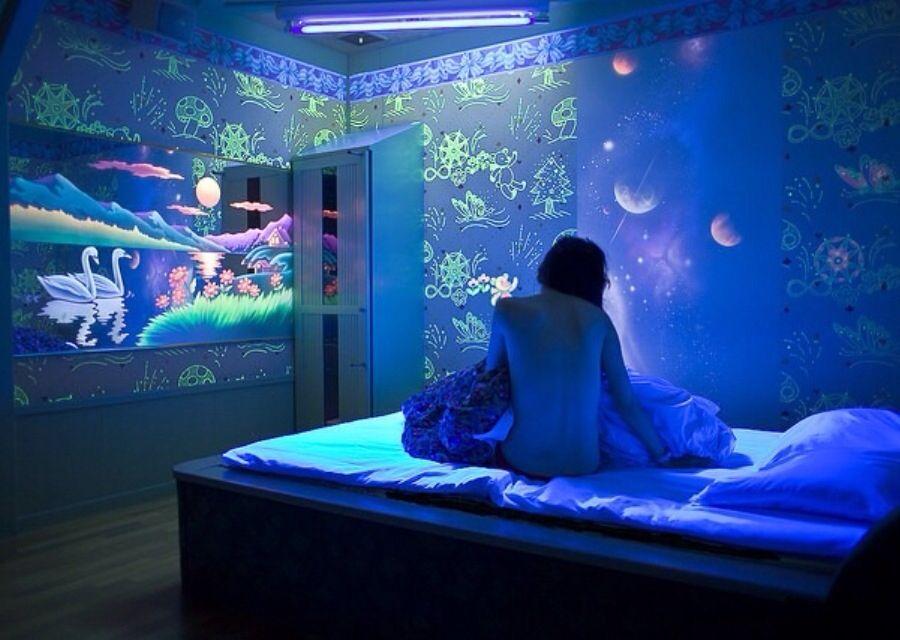Hotel Room Under Uv Light Hotel Room