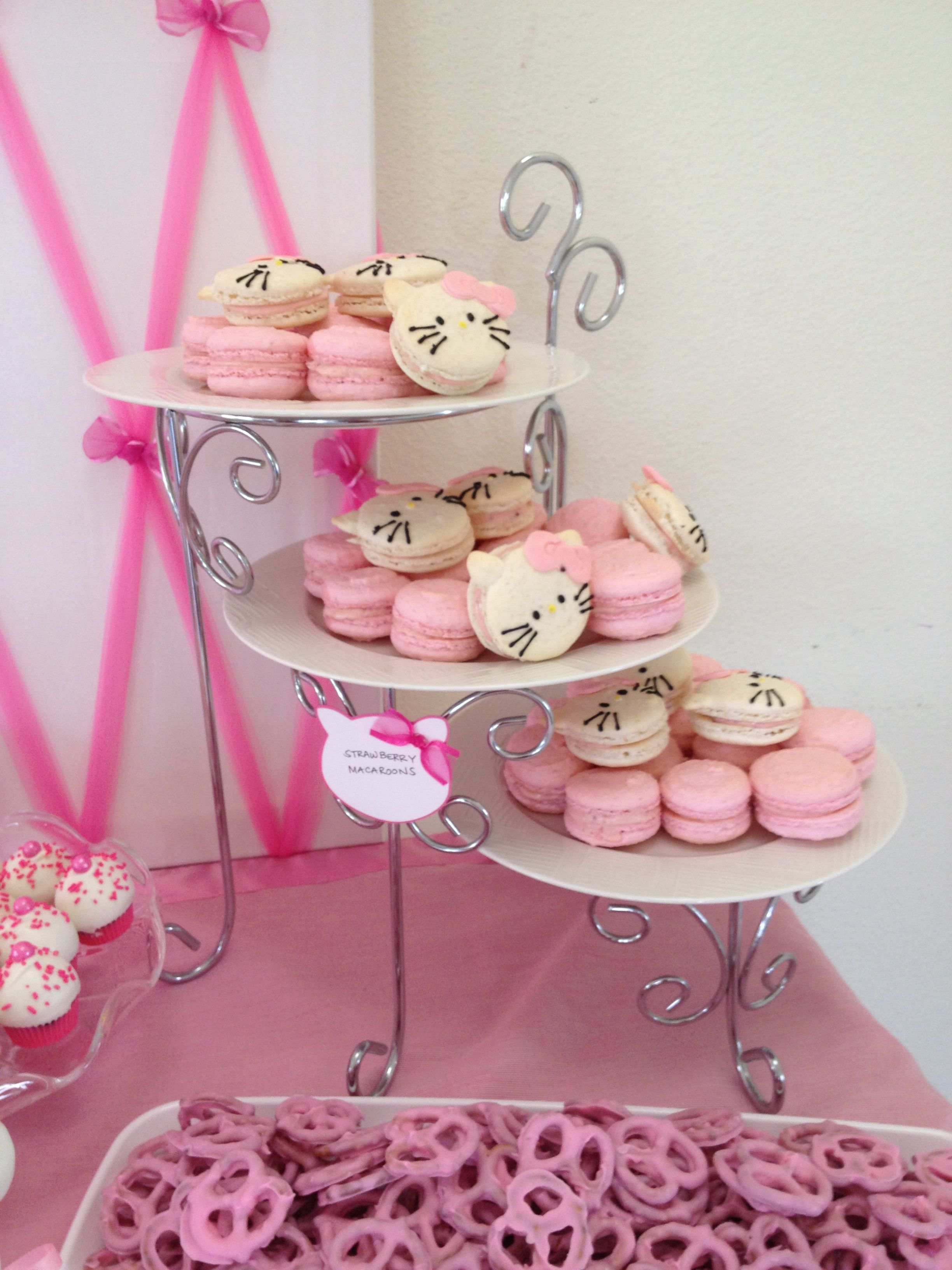 strawberry macaroons for hello kitty baby shower hello kitty baby shower. Black Bedroom Furniture Sets. Home Design Ideas