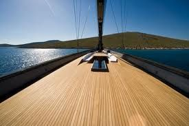 perfect lines, totally seamless     boat
