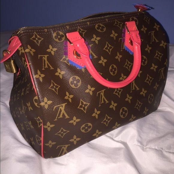 7d58ffee020a Handbags · Louis Vuitton