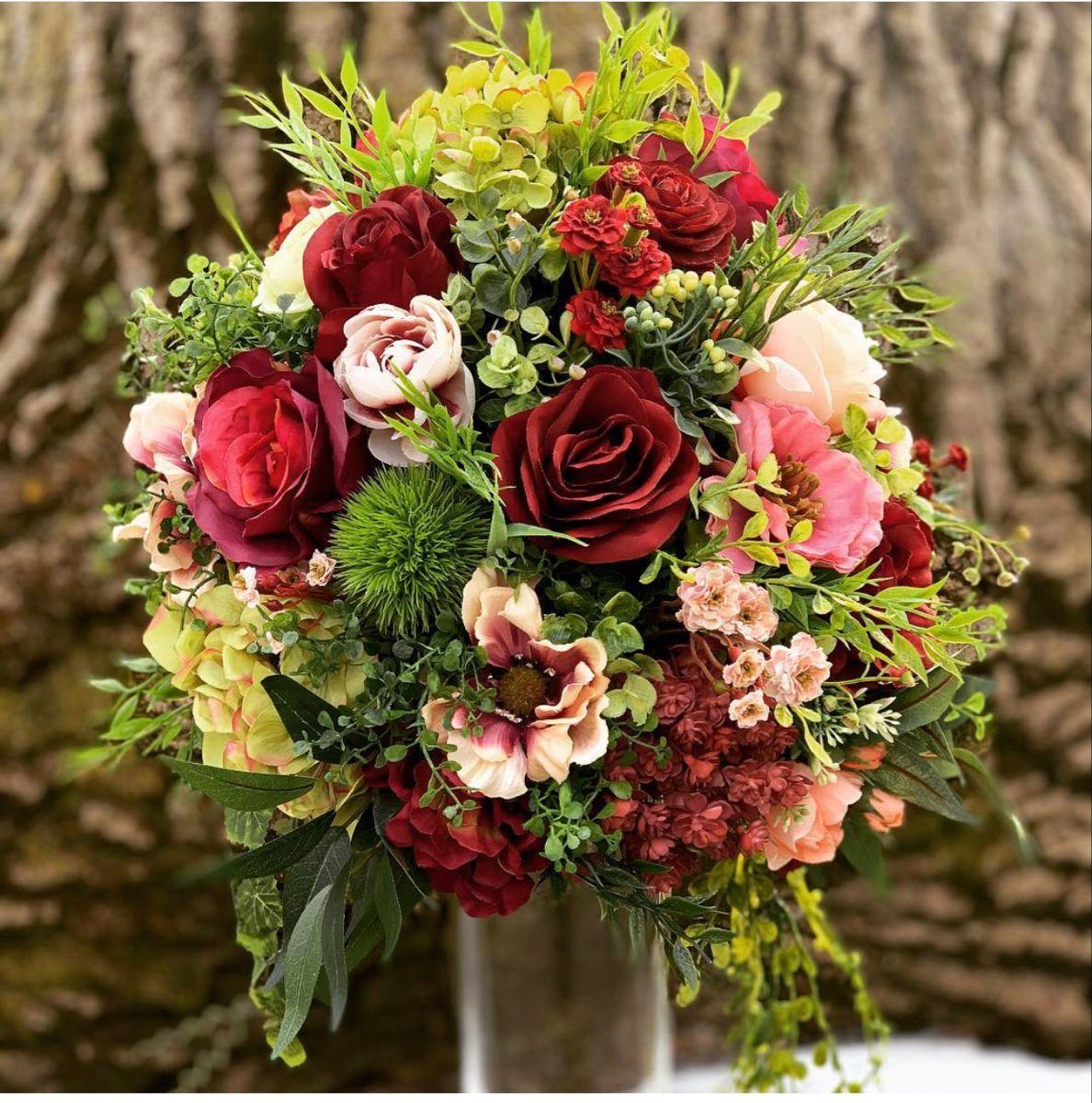 Burgundy Flowers in 2020 Burgundy wedding flowers