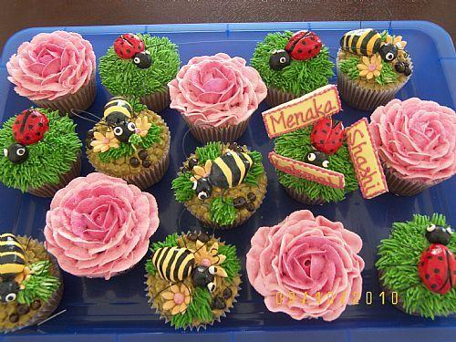 rose, bee, ladybug cupcakes