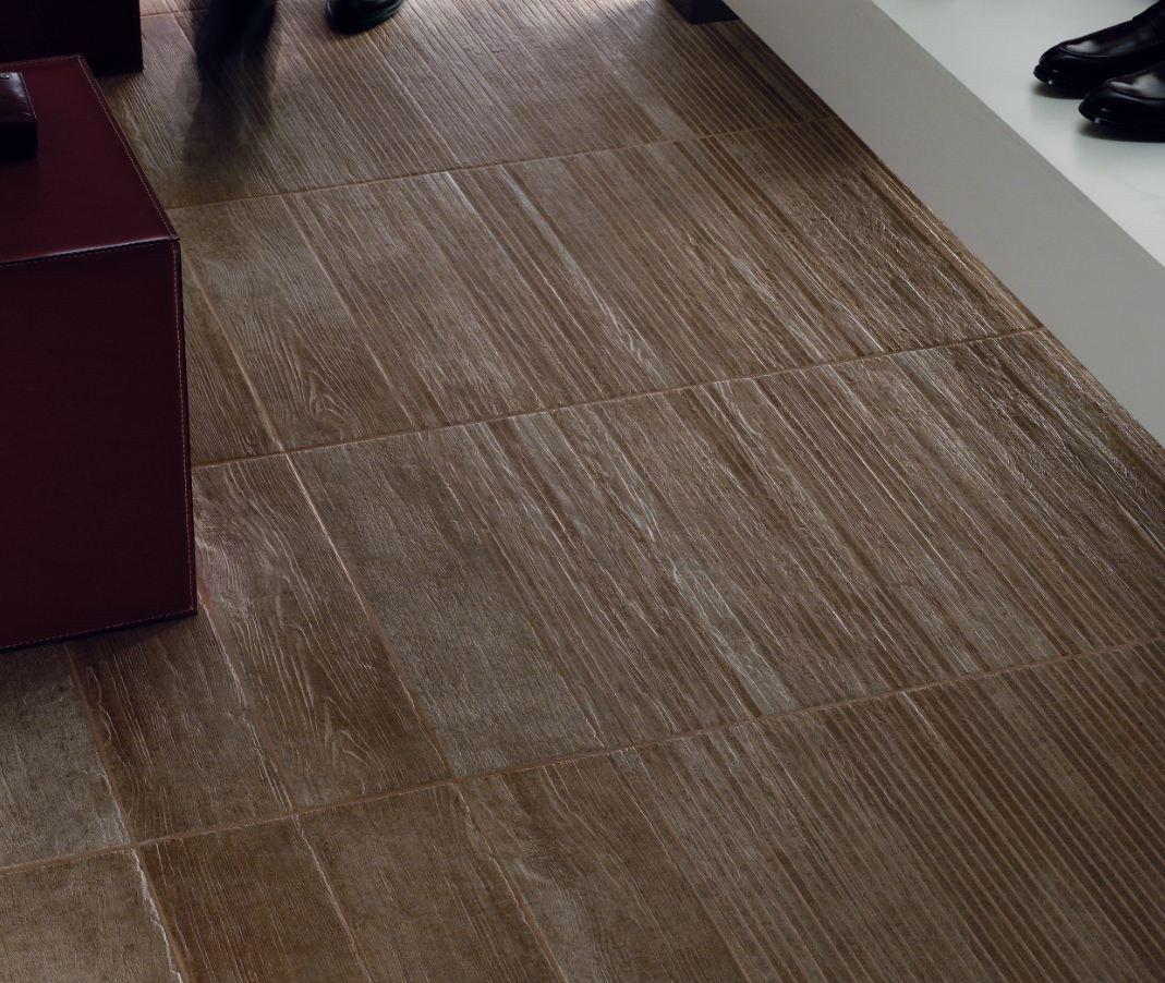 Revestimiento de pared suelo de gres porcel nico imitaci n for Pisos de madera para exteriores