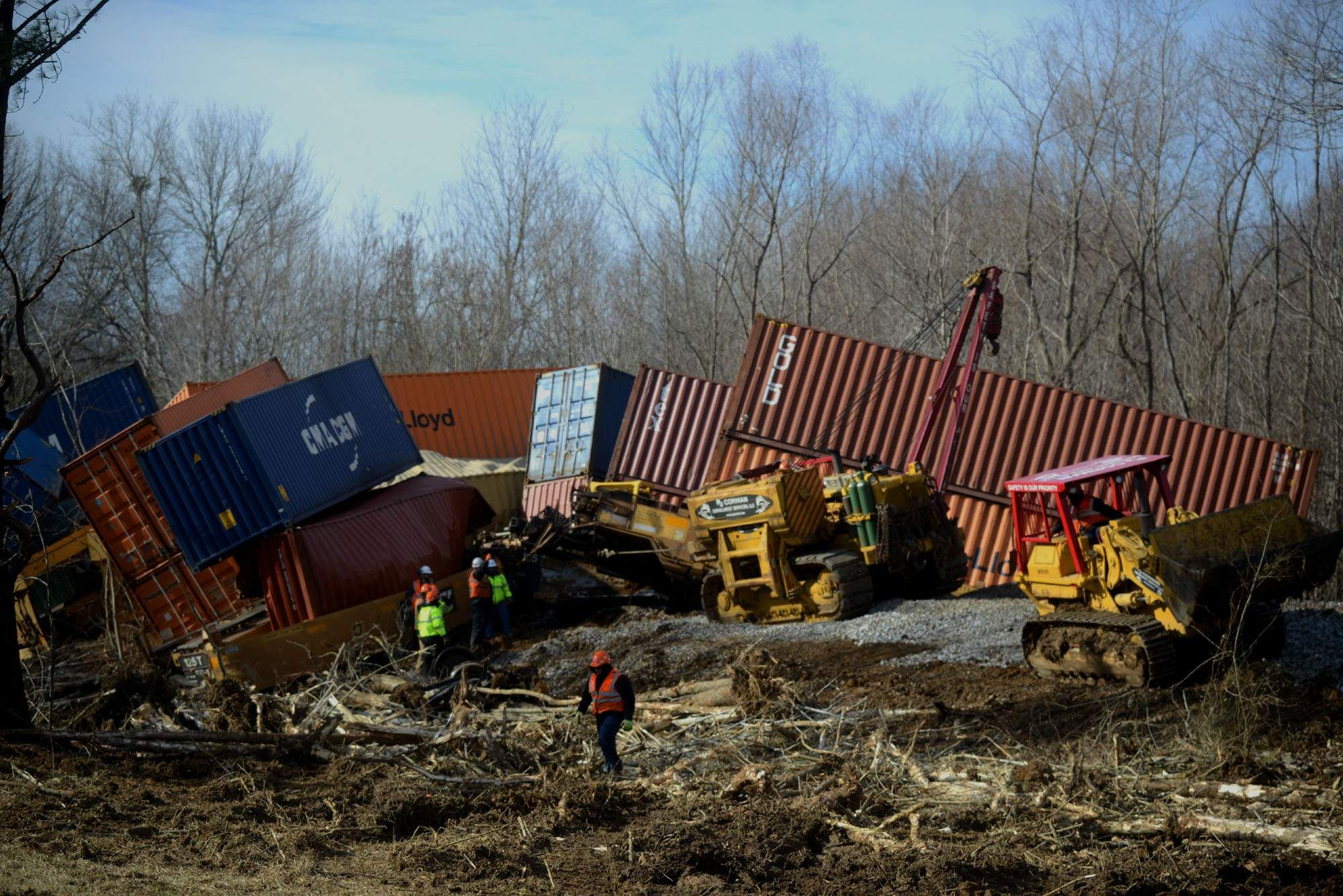 Updated with video: Train derails Thursday morning in Carroll Countyqqqq