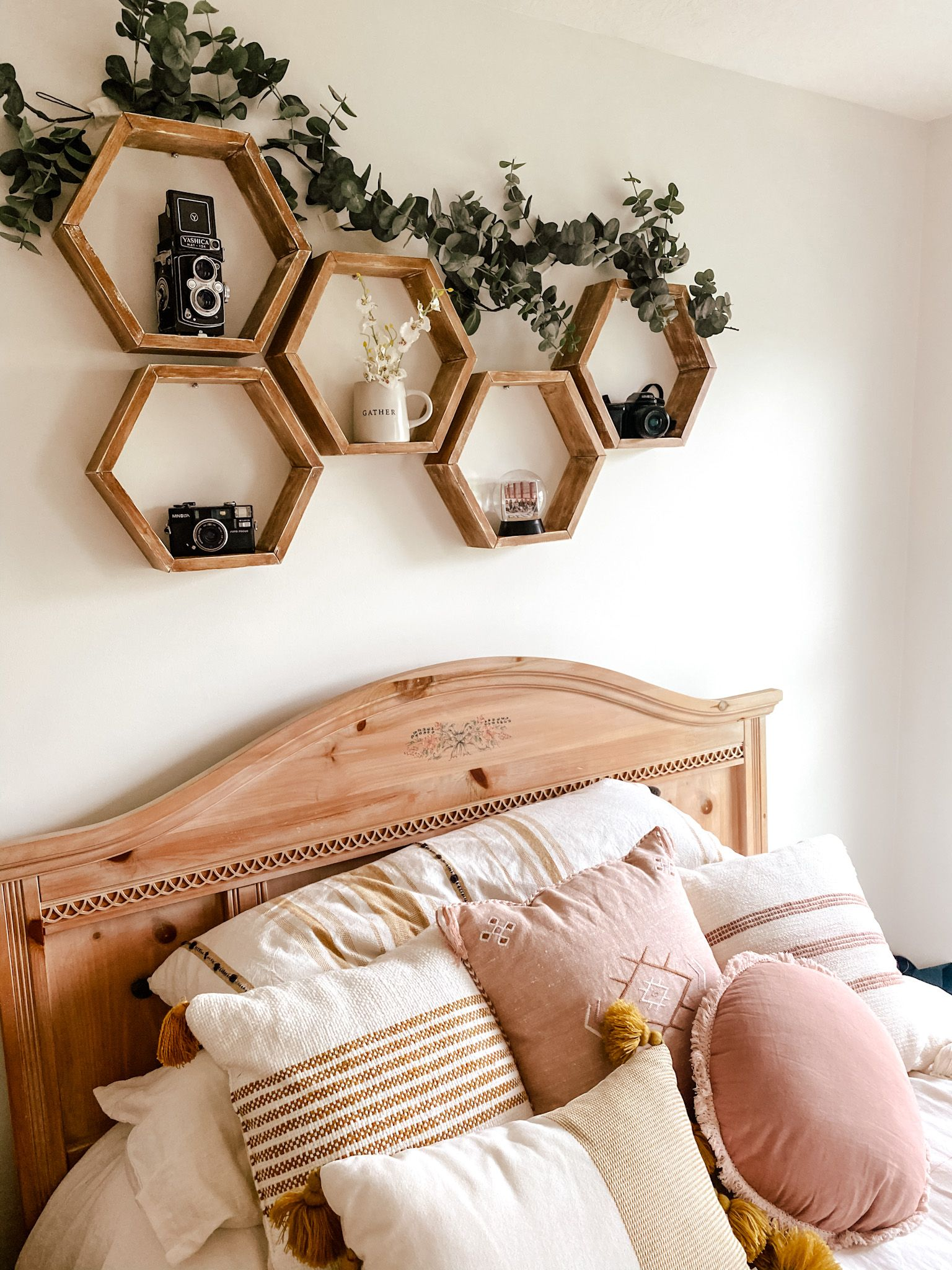 Diy Bedroom Makeover Kelsey Haver Designs Bedroom Makeover Small Room Bedroom Bedroom Decor