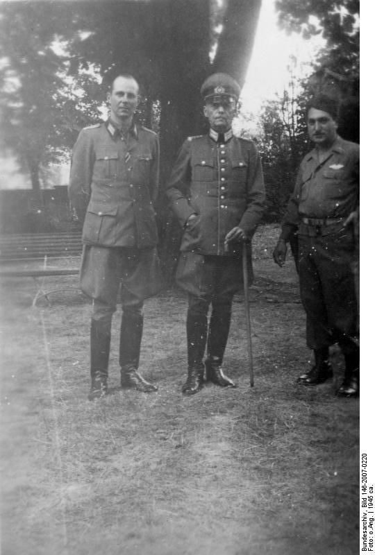 Photo German Field Marshal Gerd Von Rundstedt And His Son As