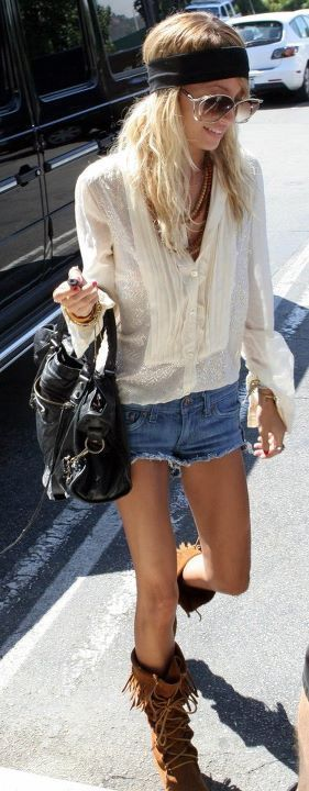 Boho chic threads - denim cut offs, floaty peasant blouse & moccasins. Love the blouse!