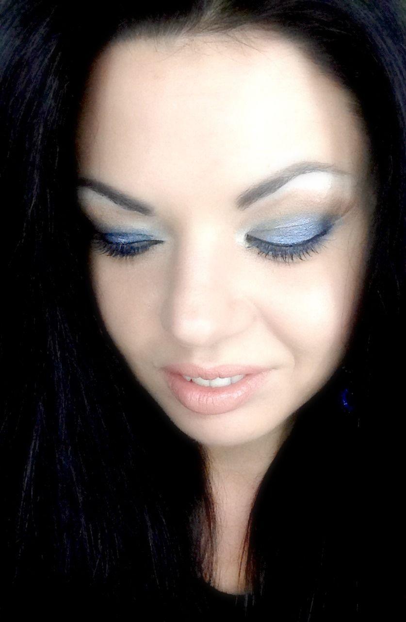 VIDEO TUTORIAL Blue Jeans Makeup: https://www.youtube.com/watch?v=vrazdo0THp4