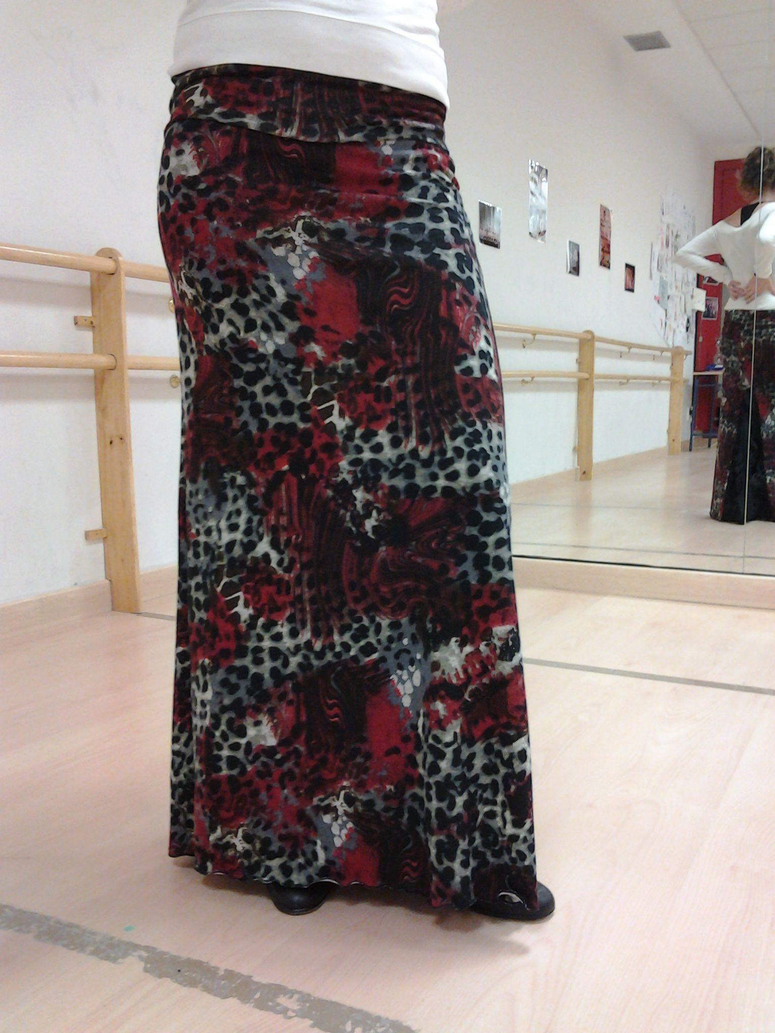 Falda de tubo con godet detrás y churritos 1