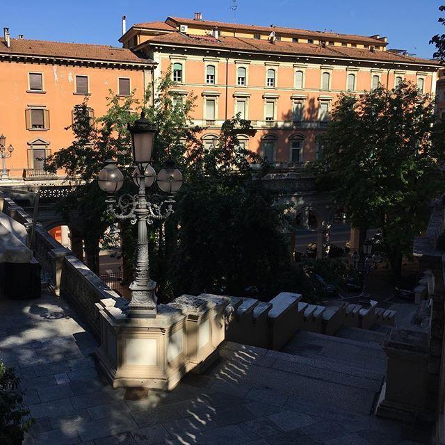 When in doubt, take a snap of this edge of Parco della Montagnola in Bologna #scalla #lamp #stairs #parcodellamontagnola #bella #morningview #park #architecture #chiaroscuro #shadows #bologna #bolognagram #bologna_city #bolognacitta #ig_bologna #igersbologna #vivobo