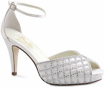 Dyeable Low Heel Wedding Shoes Grace Wedding Shoes On Low Heel This Low Heel Bridal Shoe Of Dyeables Dyeable Wedding Shoes Bride Shoes Bridal Shoes Low Heel
