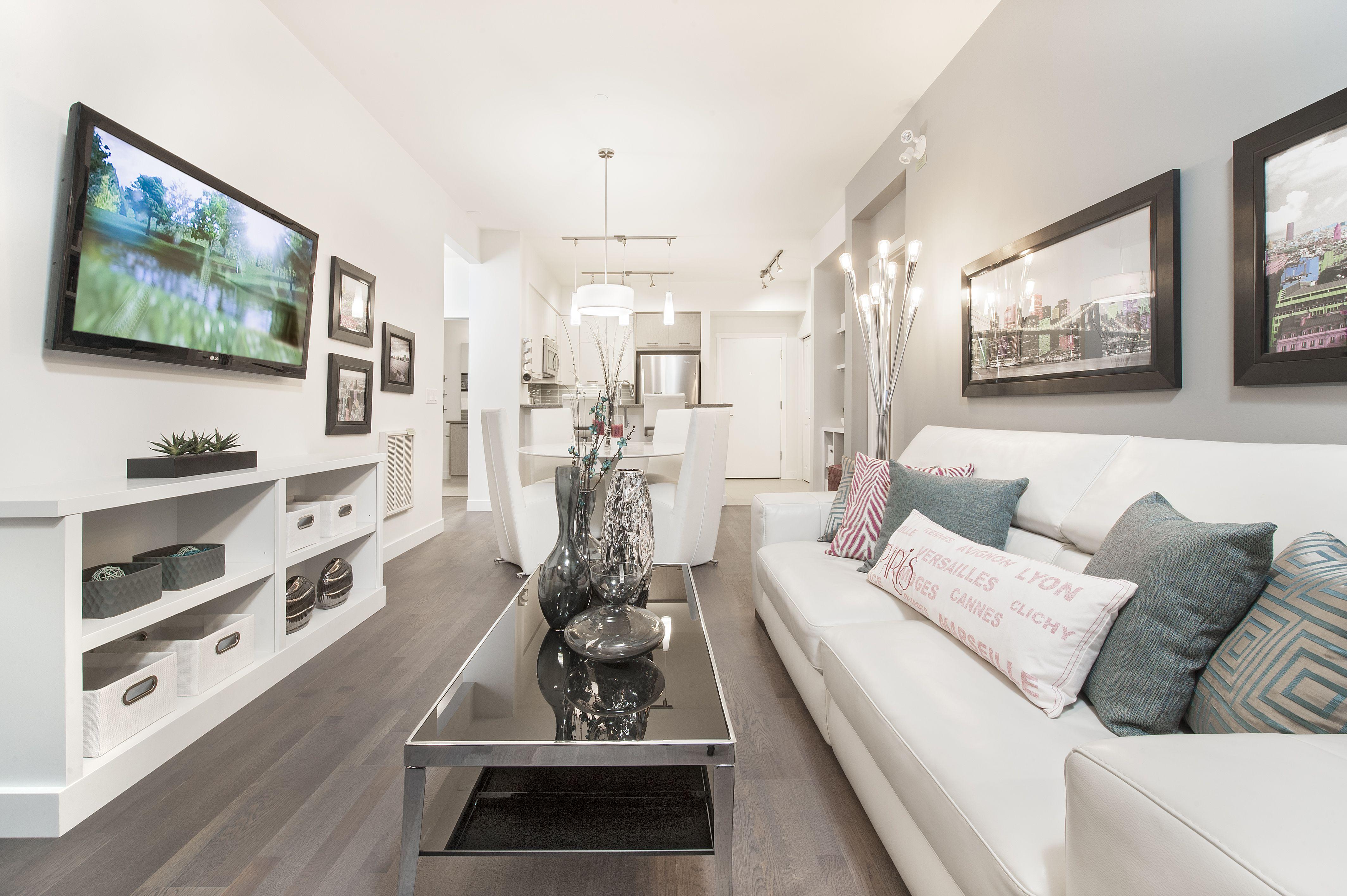 Bright Fresh Living Room And Kitchen At Sawyer Silverado