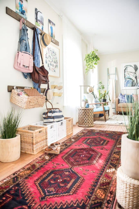 Bloggers Place Of My Taste Makes Over Her Entryway With A Hamedan Persian Runner Oriental Living Room Persian Rug Living Room Rugs In Living Room #persian #rugs #living #room