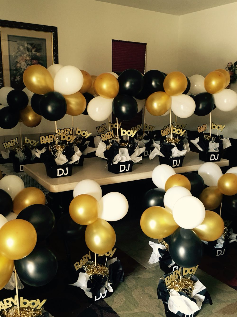 Birthday table decorations for men - Black And Gold Babyshower Centerpieces