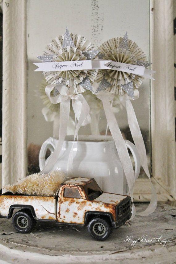 CHRISTMAS Wand Vintage JOYEUX NOEL Paper Rosette Glitter Star French Banner Shabby Chic Decoration Favor Wedding