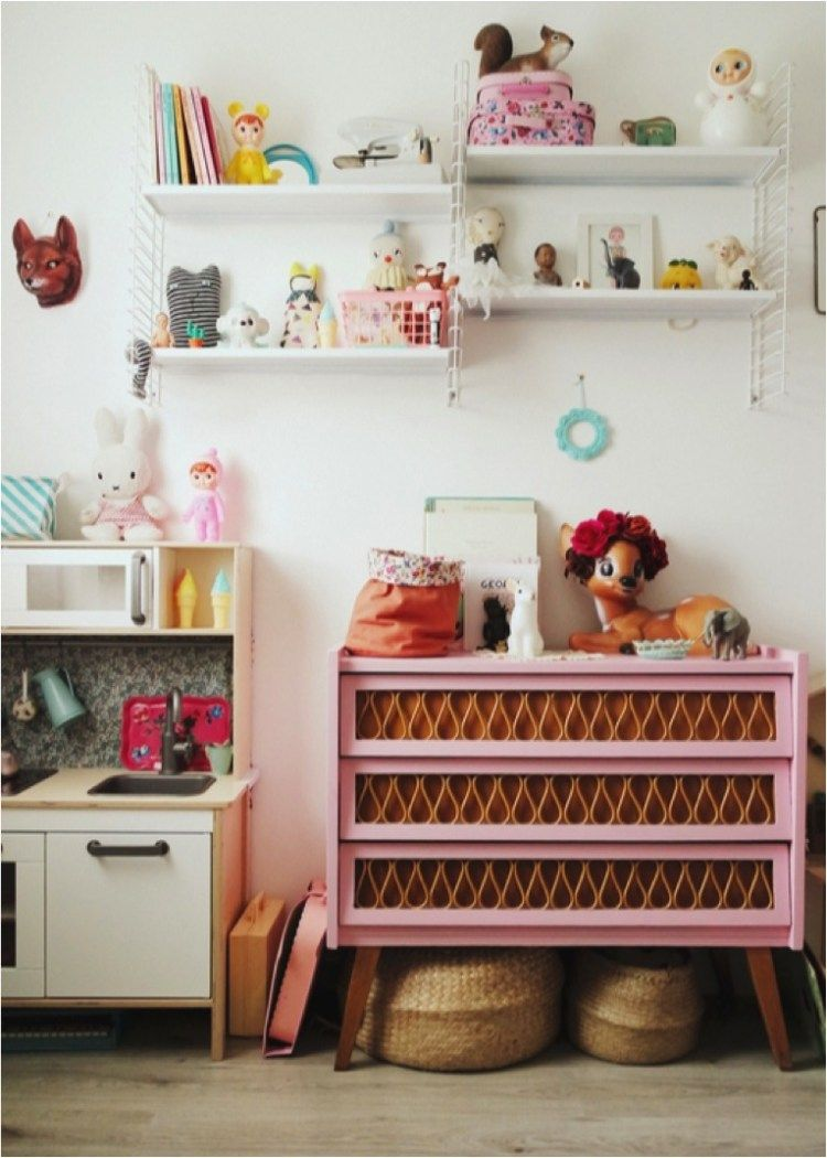 Vintage kids rooms can be so magical