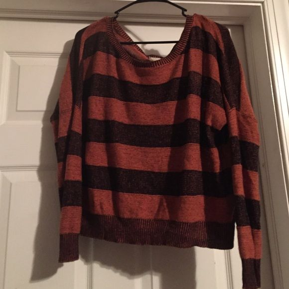 Cool vintage pullover sweater!!!! Cotton 100% Cool vintage pullover sweater. Burnt orange n black 100% cotton!!! Vintage label  Sweaters Crew & Scoop Necks