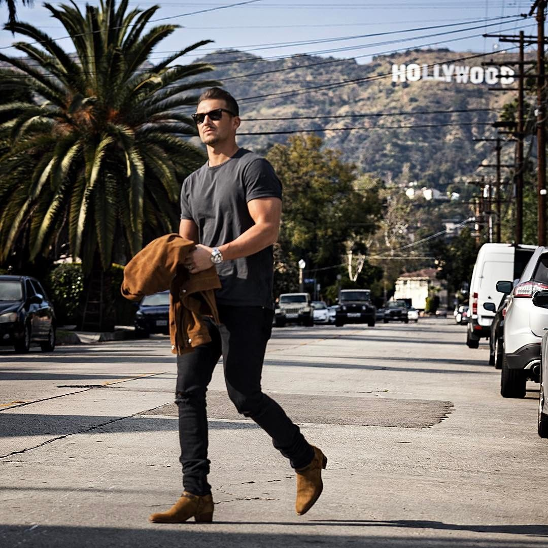 "13.7k Likes, 178 Comments - Sandro (@sandro) on Instagram: ""🚶🏽🌴☀️ –––––––––– #TMM #sandro #dreamland #hollywood #hollywoodsign"""