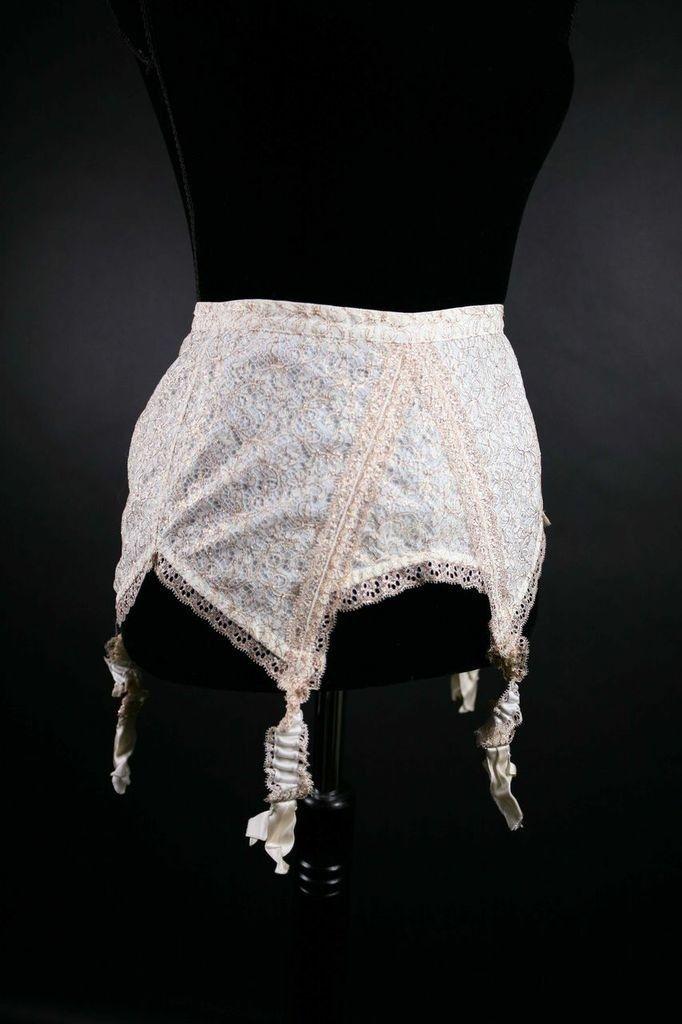 e2962e21f67 vintage  Dior  lingerie