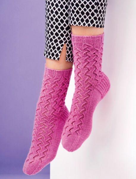 Beginner\'s lace socks - Free Knitting Patterns - 4 ply yarn | Lace ...