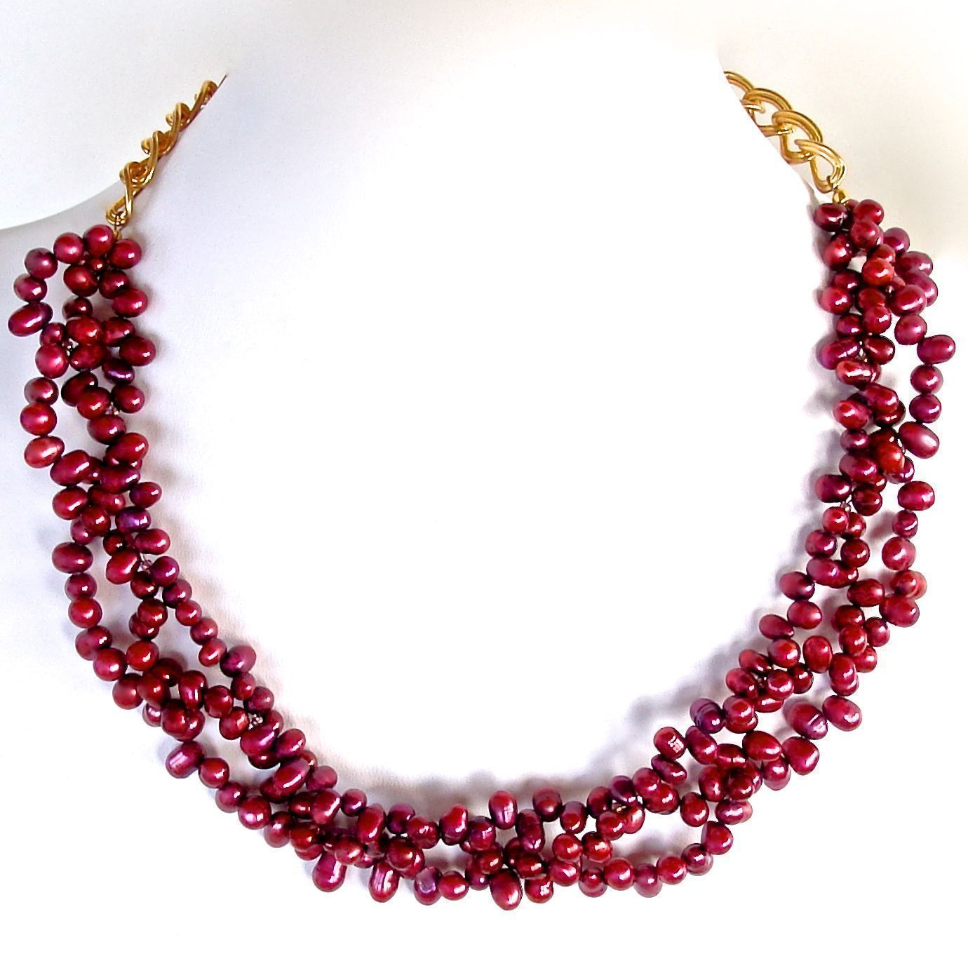 Berry pearl statement collar
