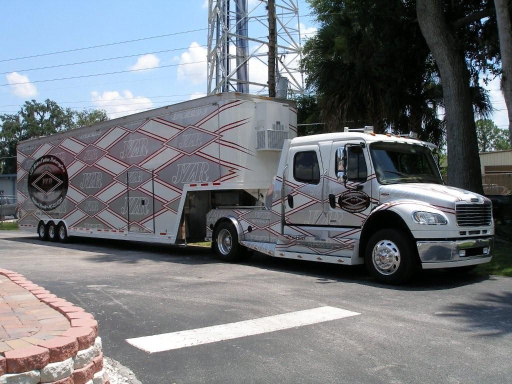Freightliner race truck 2006 freightliner sportchassis with 2000 featherlite double stack car