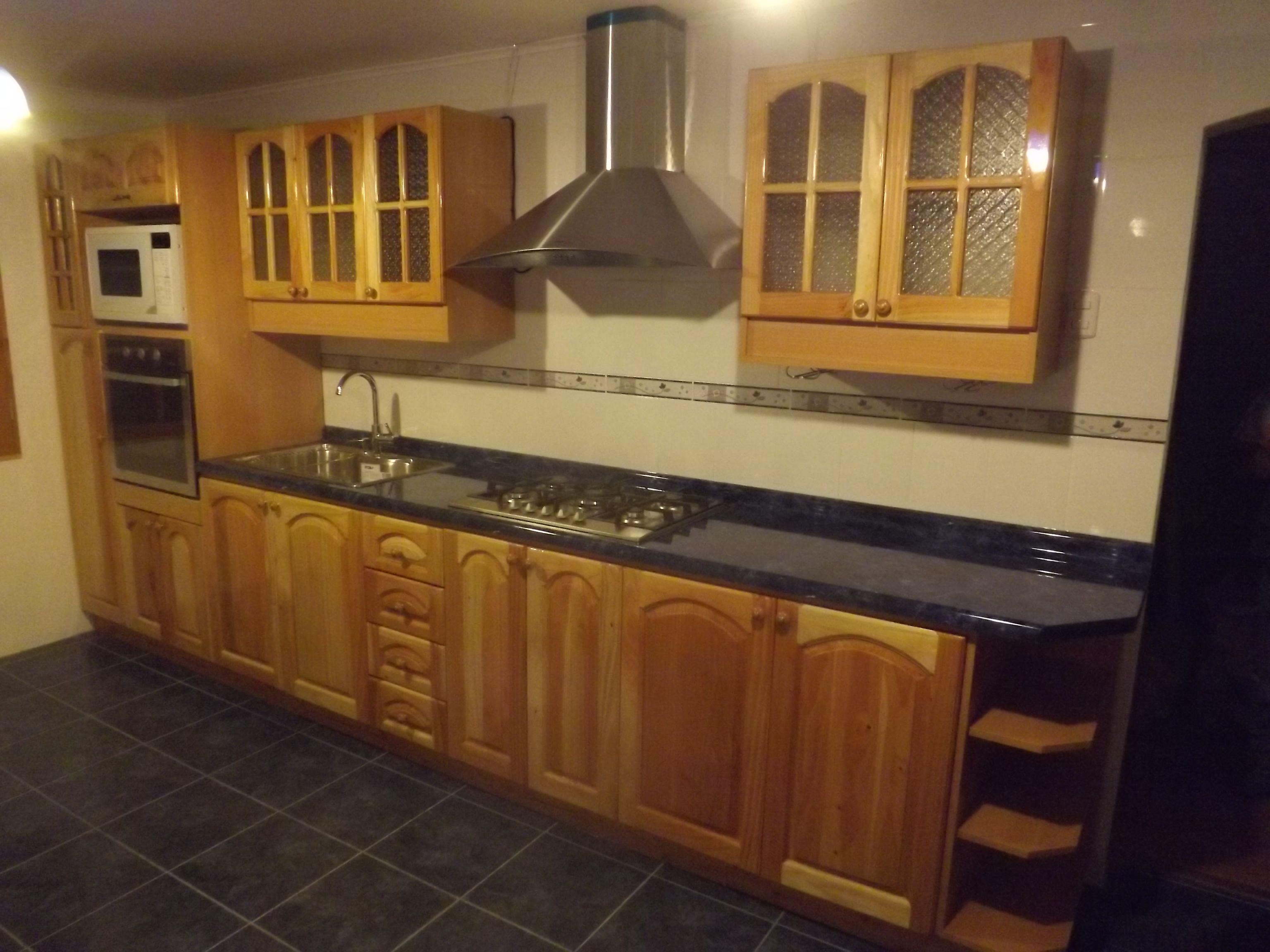 Cocina de estilo colonial puertas de madera solida - Muebles juan jose ...