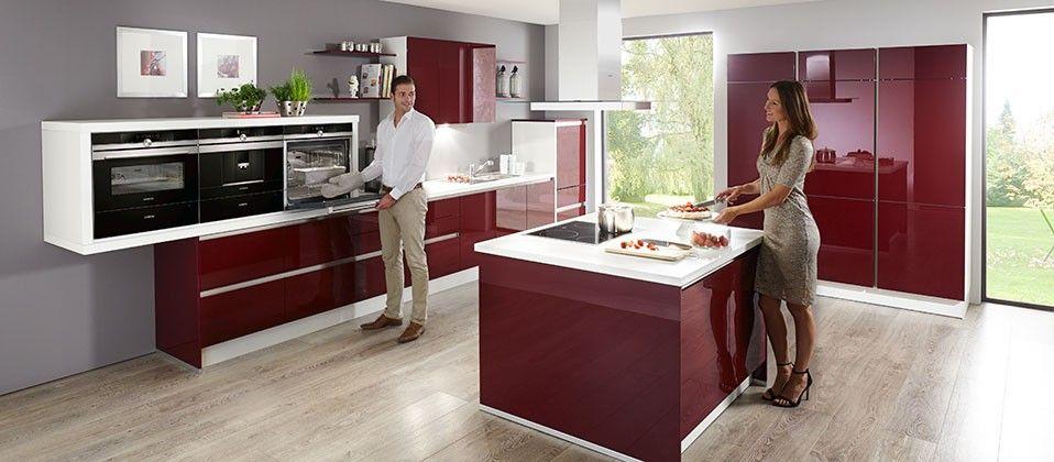 Einbauküche mit Profi-Ausstattung Haus der Küchen Premium Küchen - küche magnolia hochglanz