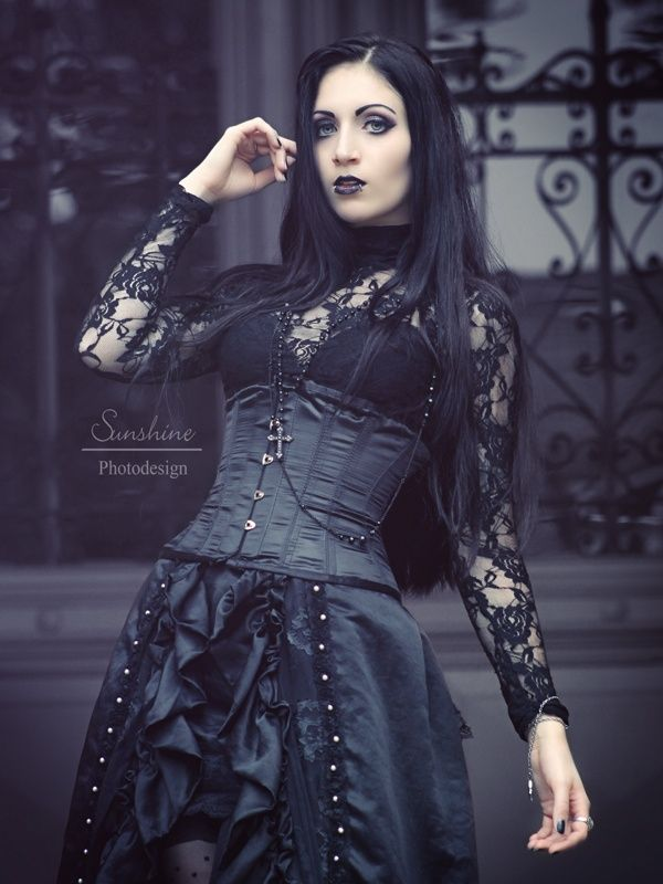 Pin de Alois Wichra en Fetish Clothing · Gothic · Pinup · Punk ...
