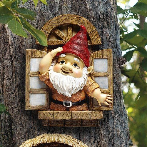 Design Toscano the Knothole Gnomes Garden Welcome