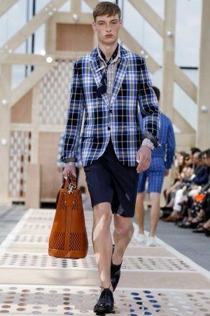 Louis Vuitton Menswear Spring Summer 2014 Paris Fashion Show - More on http://nwf.sh/14c7H85