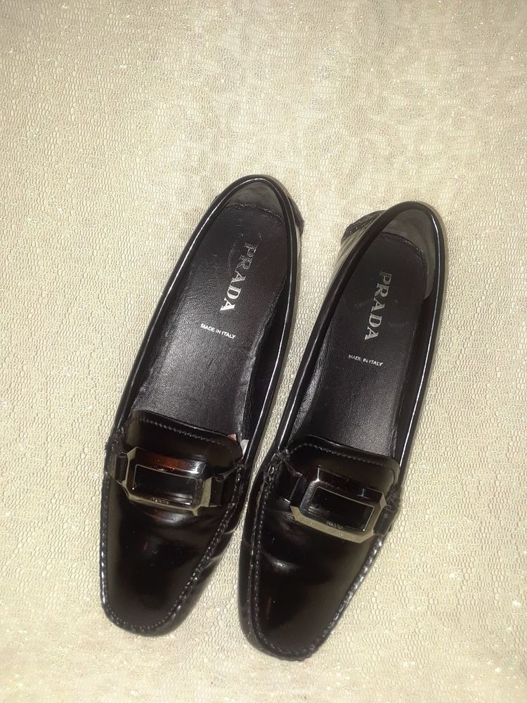 027c22bf3cb Prada Women s Loafers Black high shine leather size 7.5 US (38 )  fashion