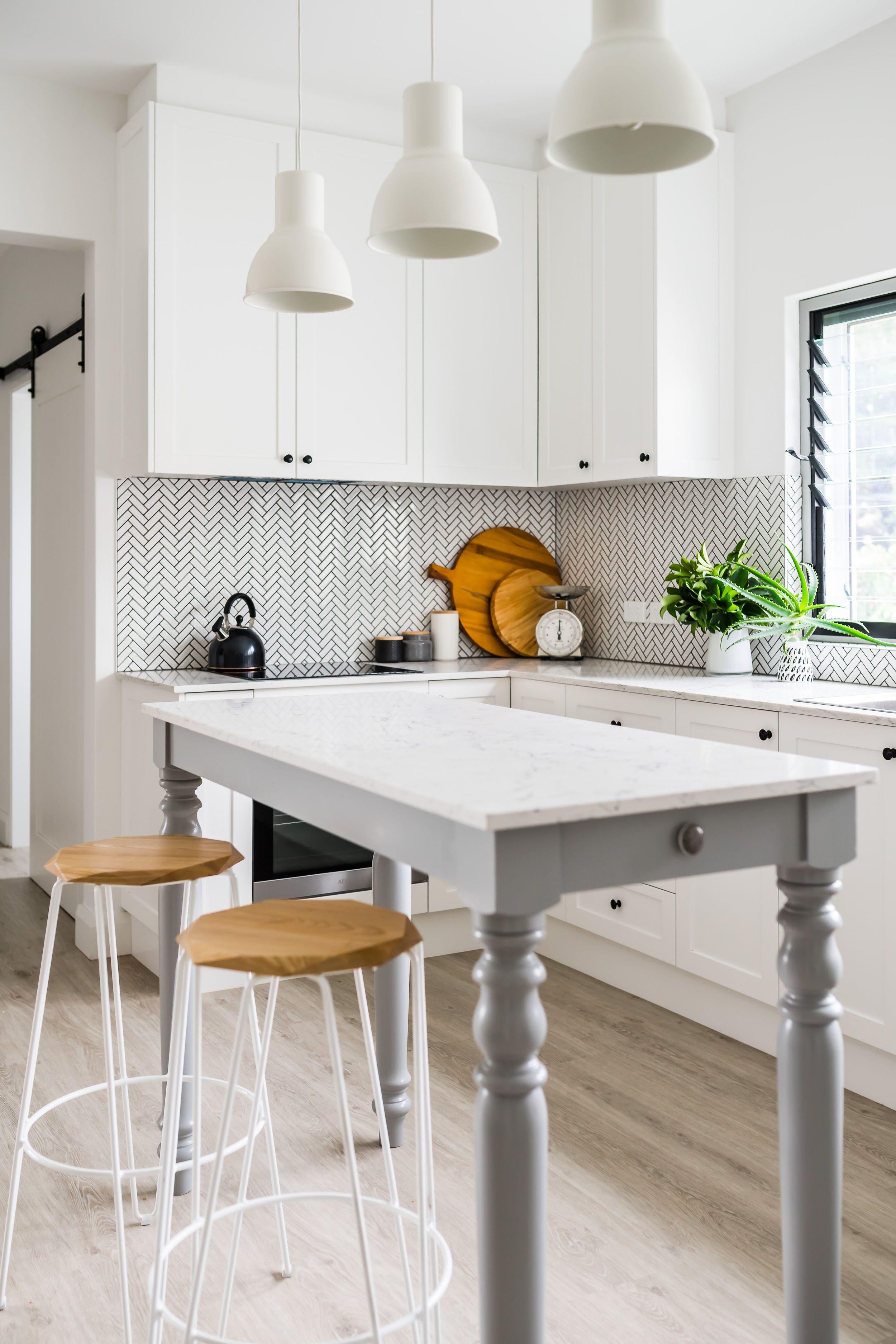 Cottage Style Kitchen 'Furniture' like Kitchen Island ...