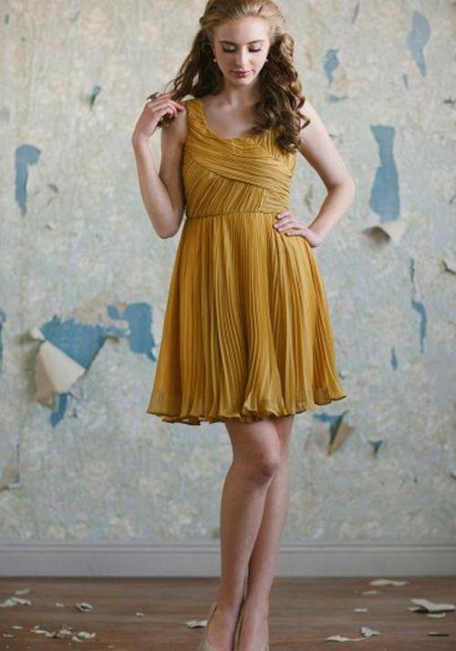 acf99372c Vestido corto para dama en color mostaza - Foto  Ruche