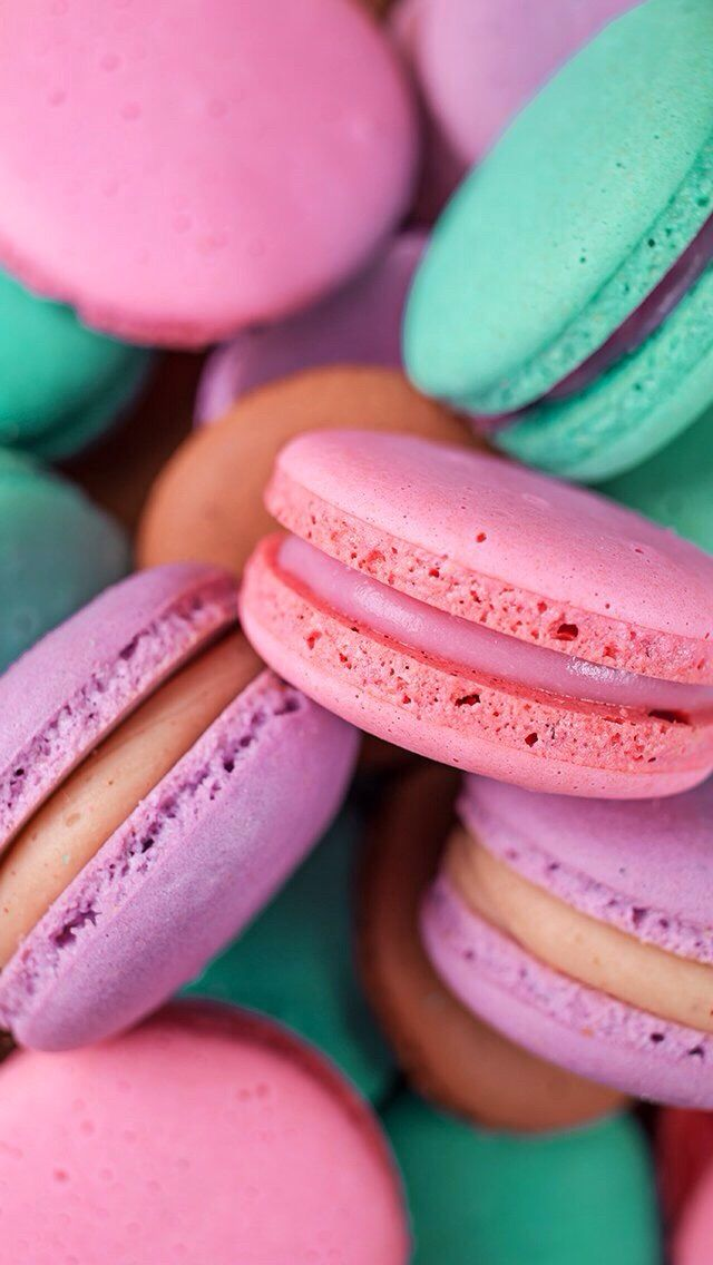 Pin By Eveliina On Wallpapers Macaroon Wallpaper Food Wallpaper