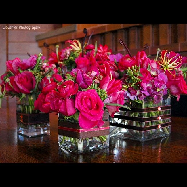 Cute Wedding Centerpiece Ideas: Love The Ribbon Around The Vases, With A Little Sparkle
