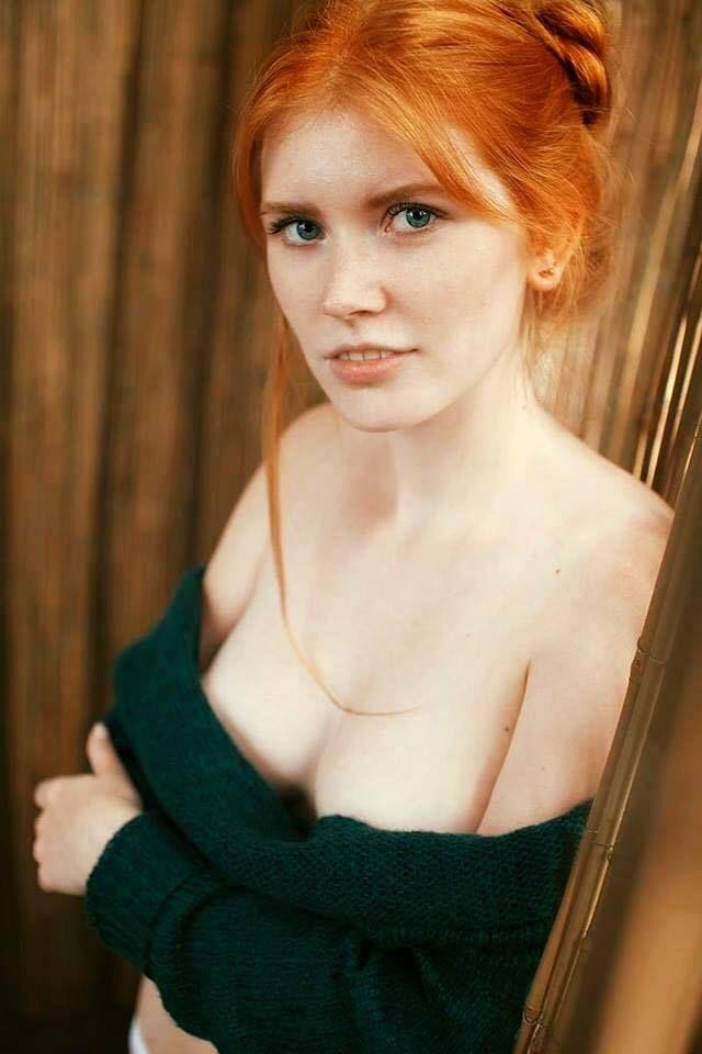 BARBRA: Curly amateur redhead