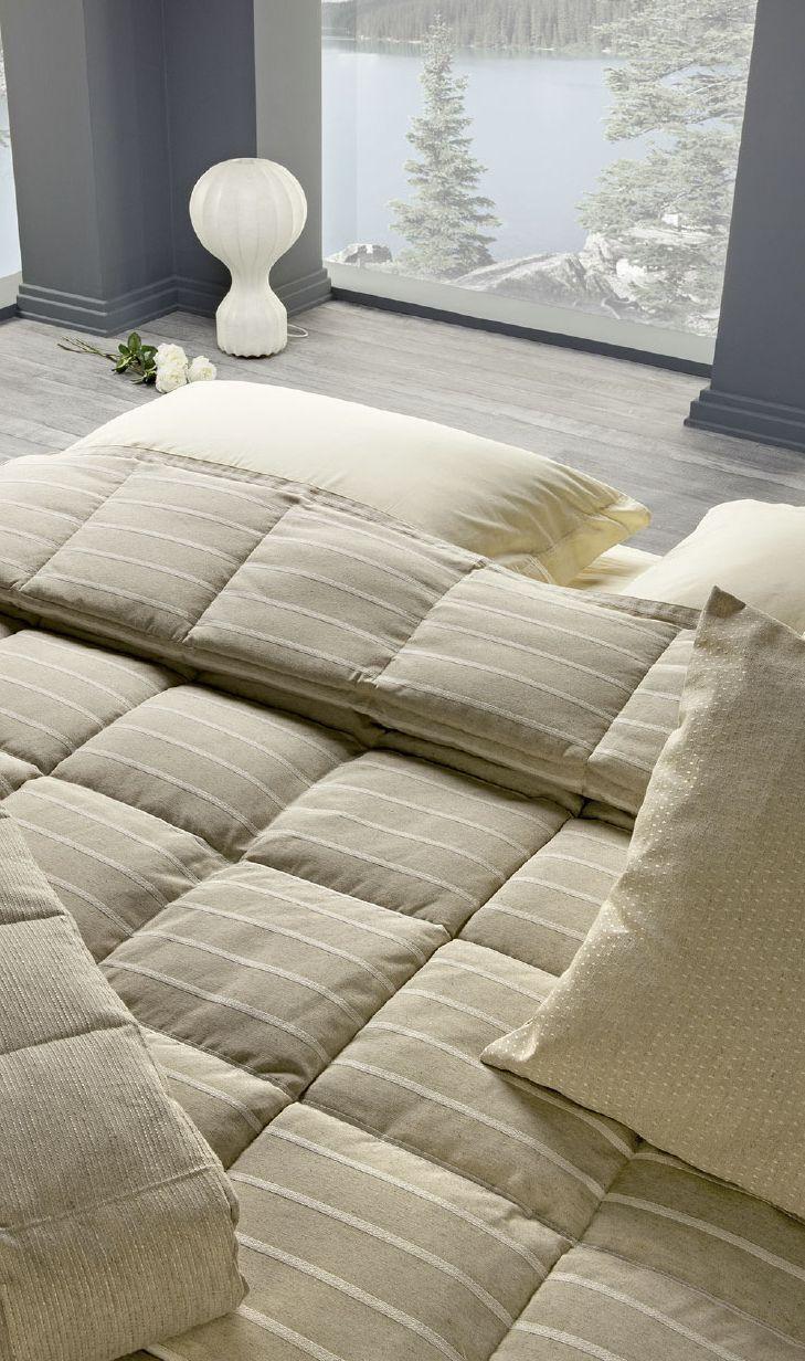 TRAPUNTA MELVIN DIS.1  Il rigato e il tinta unita: un sodalizio perfetto. E voi quale tonalità avete scelto per valorizzare la vostra camera da letto?