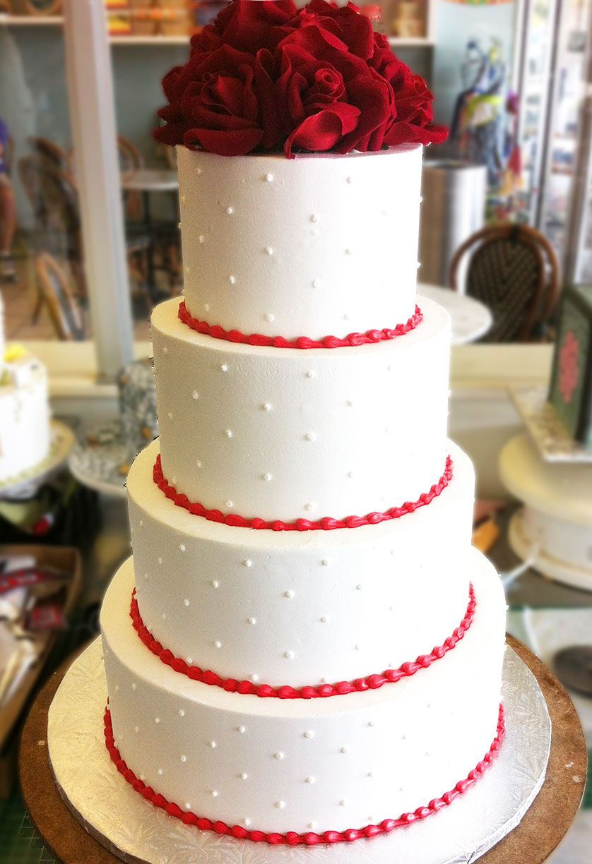 A classic red and white wedding cake cake pastel