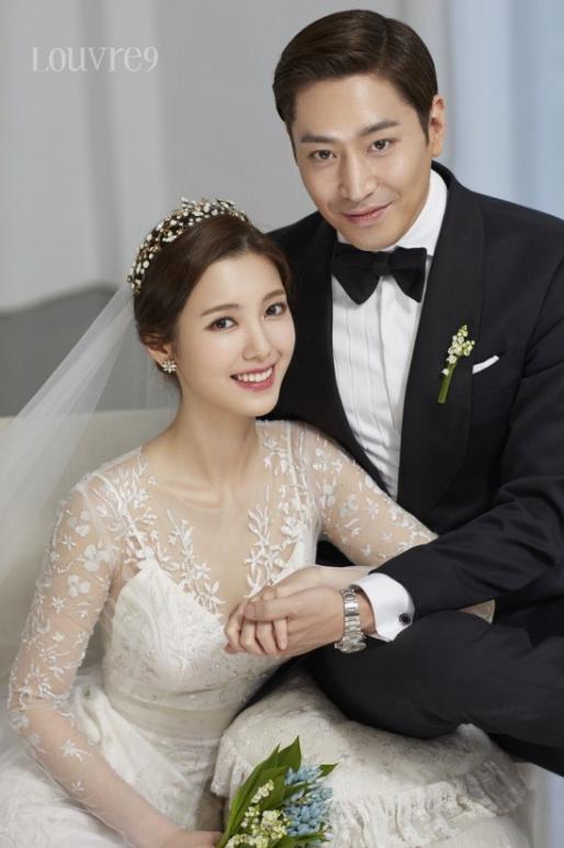 Get a glimpse inside Eric Moon of Shinhwa and Na Hye Mis