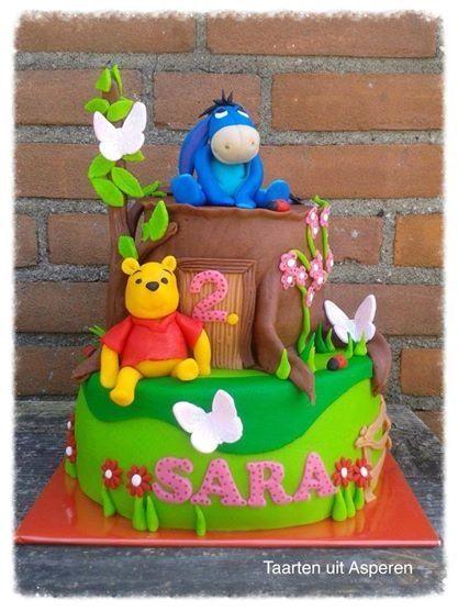 Winnie the pooh en knorretje op de taart