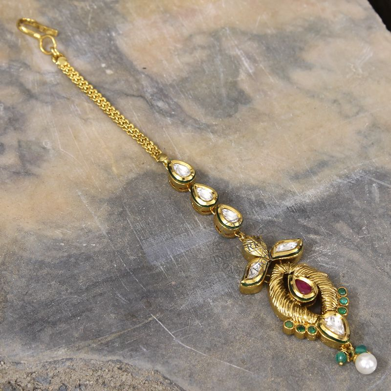 The MANDIRA MAANG TIKKA  by Indiatrend. Shop Now at WWW.INDIATRENDSHOP.COM