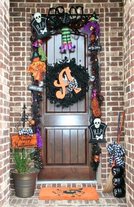 halloween front door decor by joanne - Halloween Front Doors