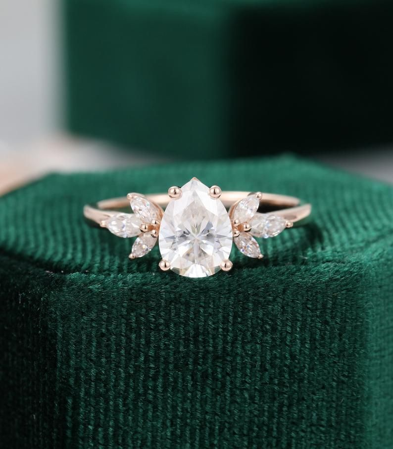Pear shaped Moissanite engagement ring vintage Uni