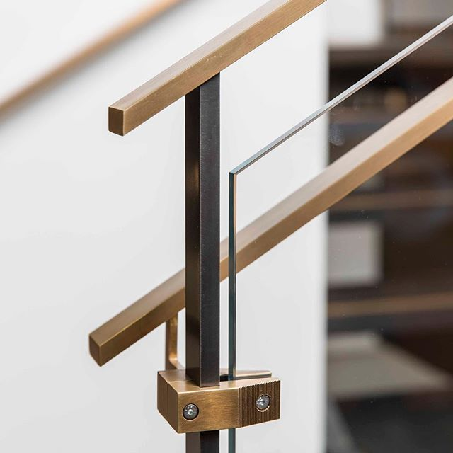 Best Detail Of Our Outrigger Stair Rail System Made From 640 x 480
