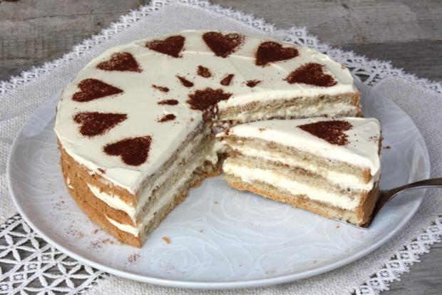 Recept s fotopostupom na veľmi jednoduchú tortu s chuťou Tiramisu | Autorka: Kamila | Tortyodmamy.sk