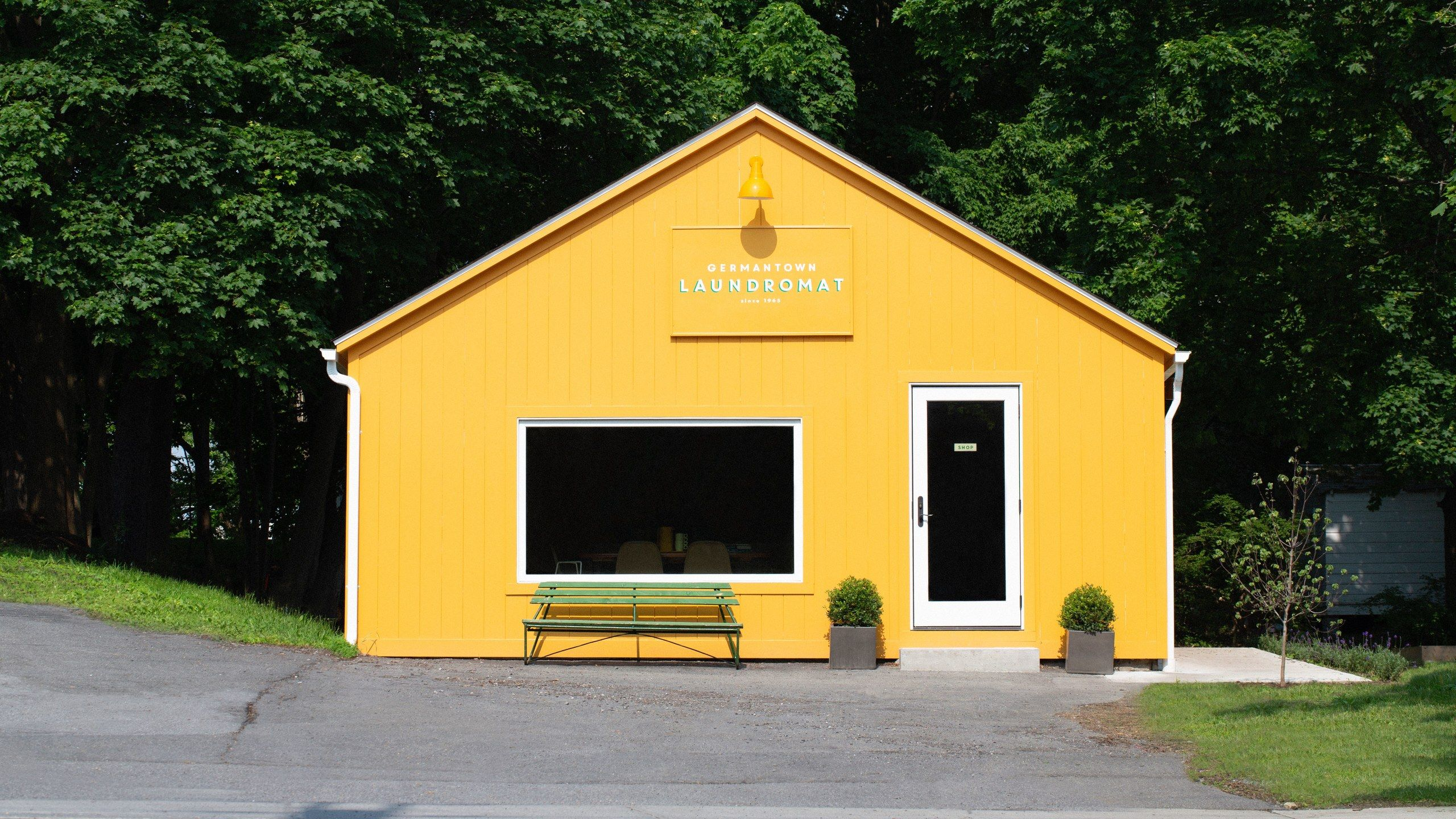 This Bright Yellow Laundromat Will Inspire You to Live